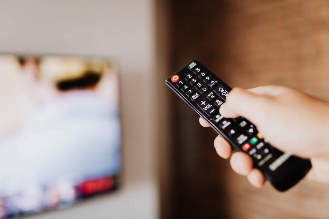 éteindre télévision télécommande
